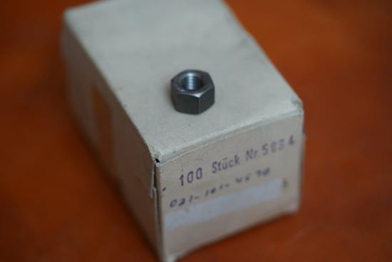 Picture of Cylinder Head Nut